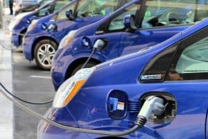 התקנת עמדת טעינה לרכב חשמלי בבית משותף